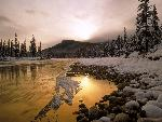 hiver Bow River Rocky Mountains Canada jpg